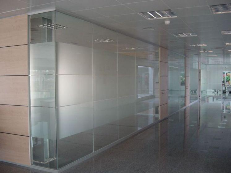 Divisor cm tabiques de aluminio divisores de oficina for Cerramientos oficinas